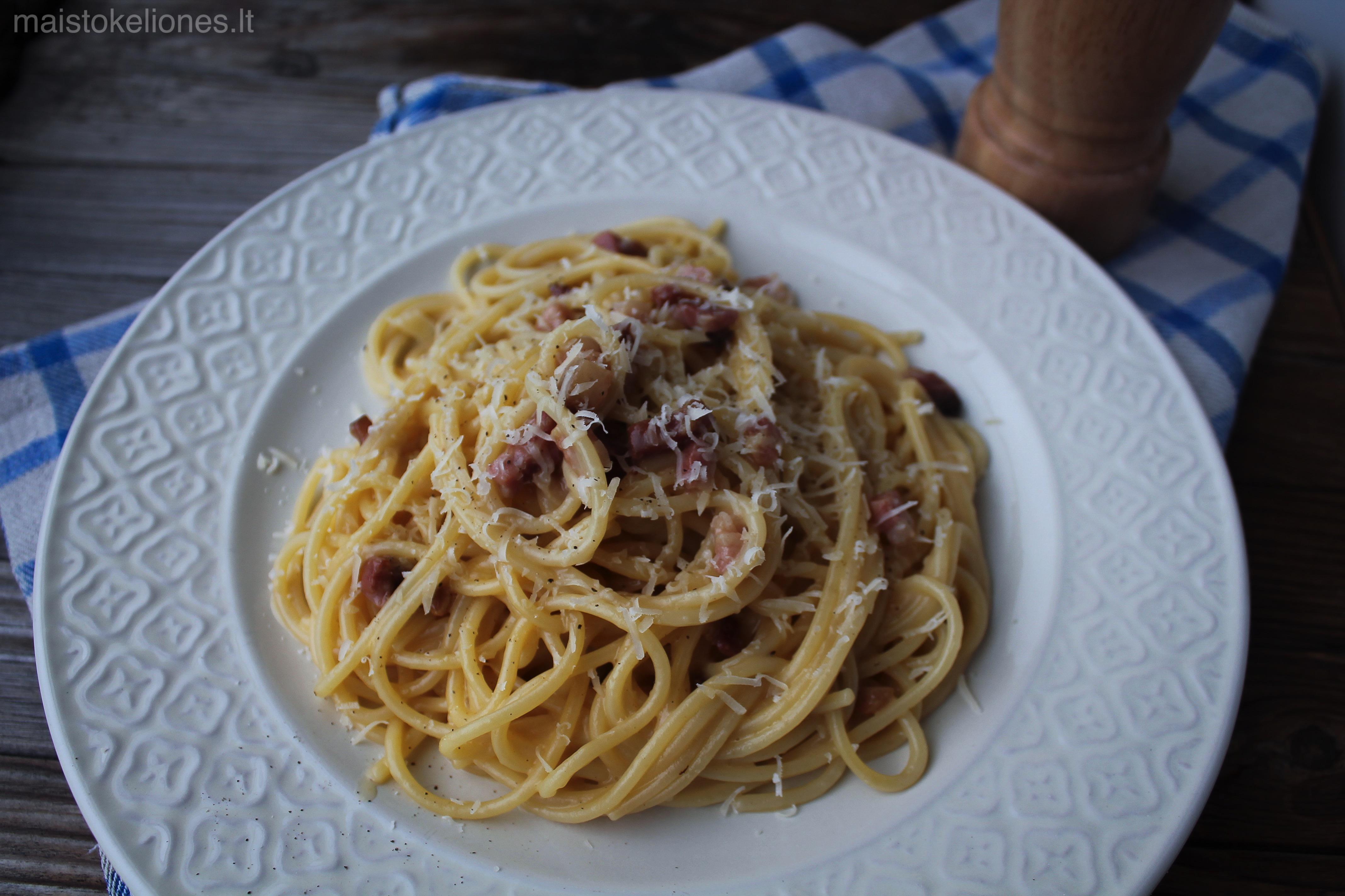 Spageti Carbonara makaronai