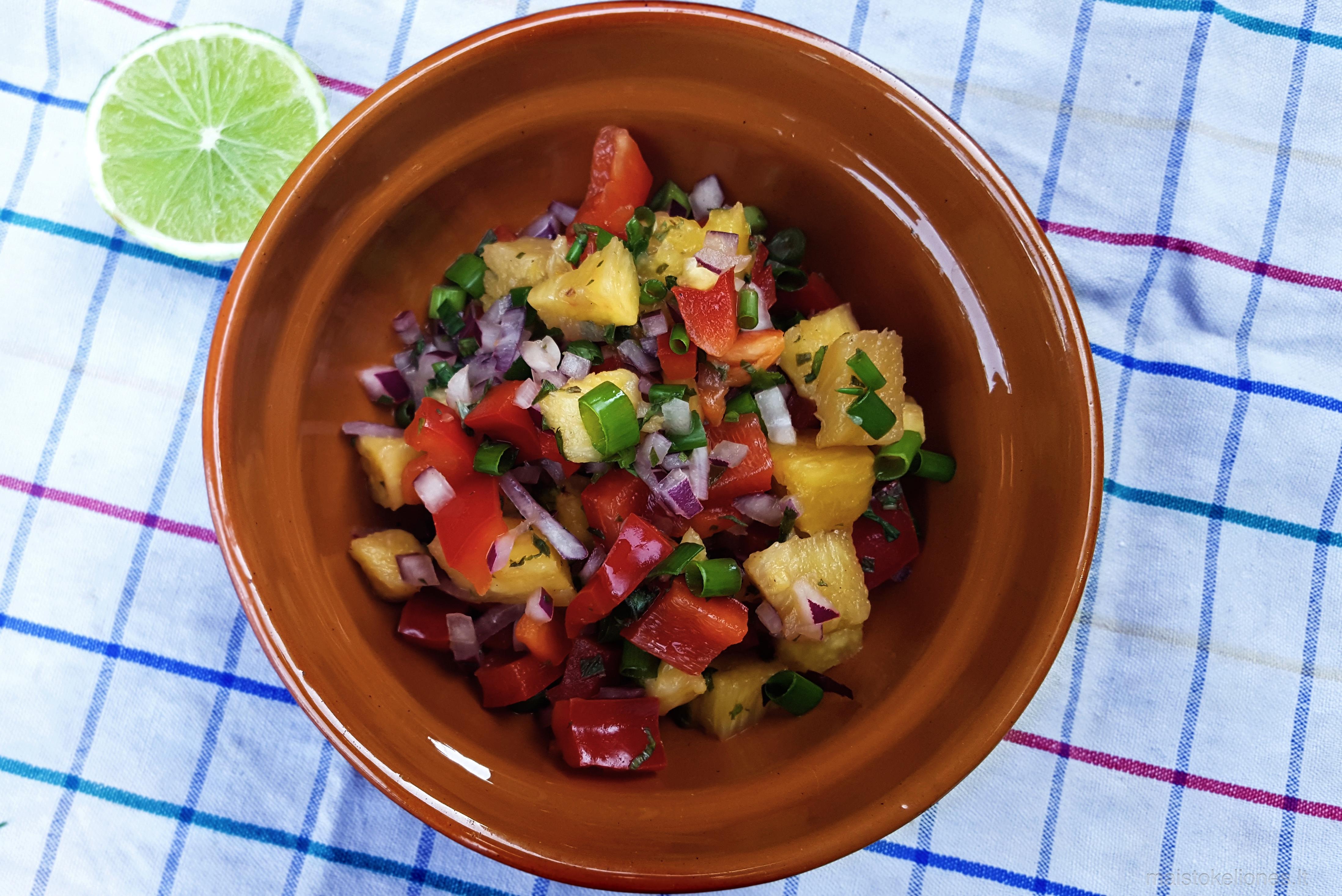 ananasų salsa