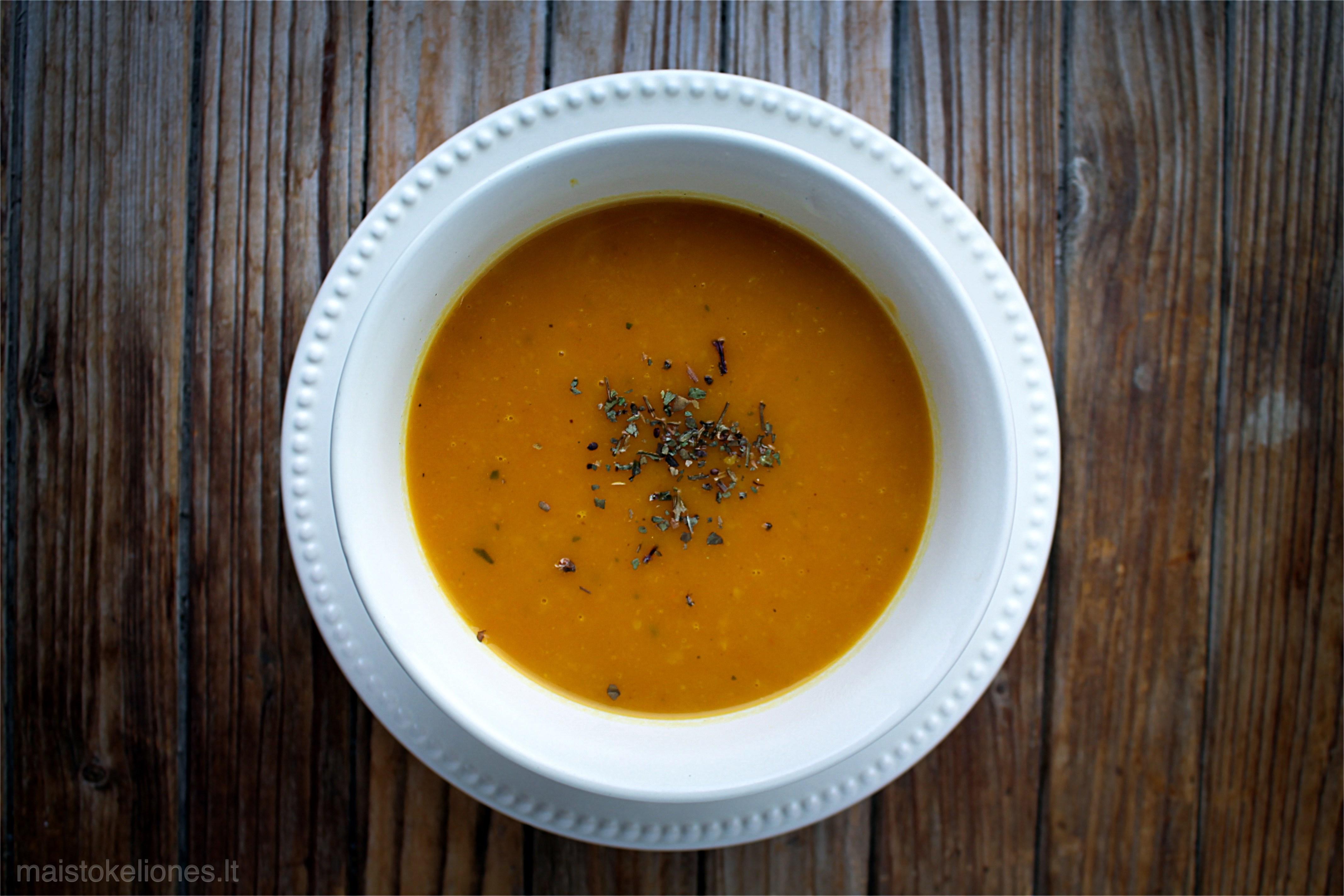 moliūgų sriuba su imbieru