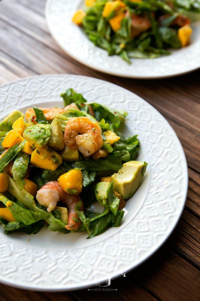krevečių-salotos su mangais ir avokadu