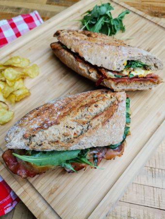 sumuštinis su kumpiu ir sūriu