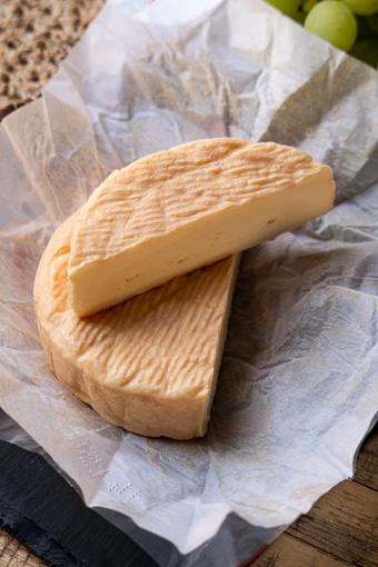 prancūziški sūriai munster