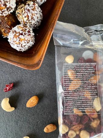 saldainiai su džiovintais vaisaiai