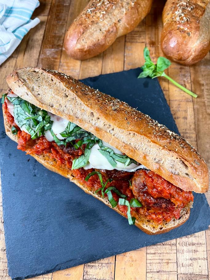 sumuštinis su su mėsos kukuliais