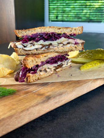 vegetariškas reuben sumuštinis
