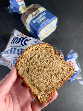 ruginė duona sumuštinis